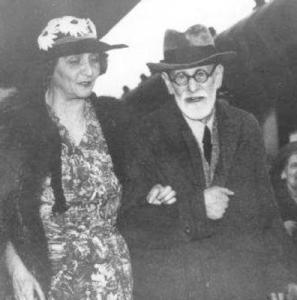 Marie Bonaparte ve Sigmund Freud, Paris, 5 Haziran 1938